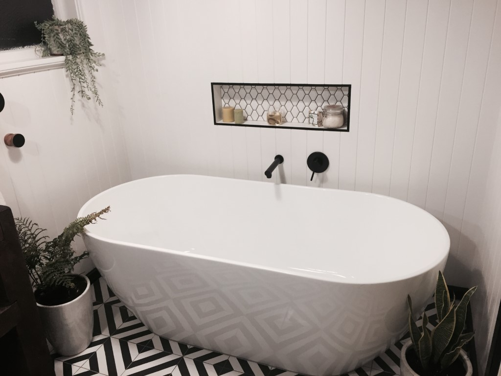 Goroka Grafito Bathroom Tiles